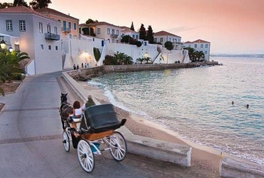 Private boat cruise in Spetses and Porto Heli